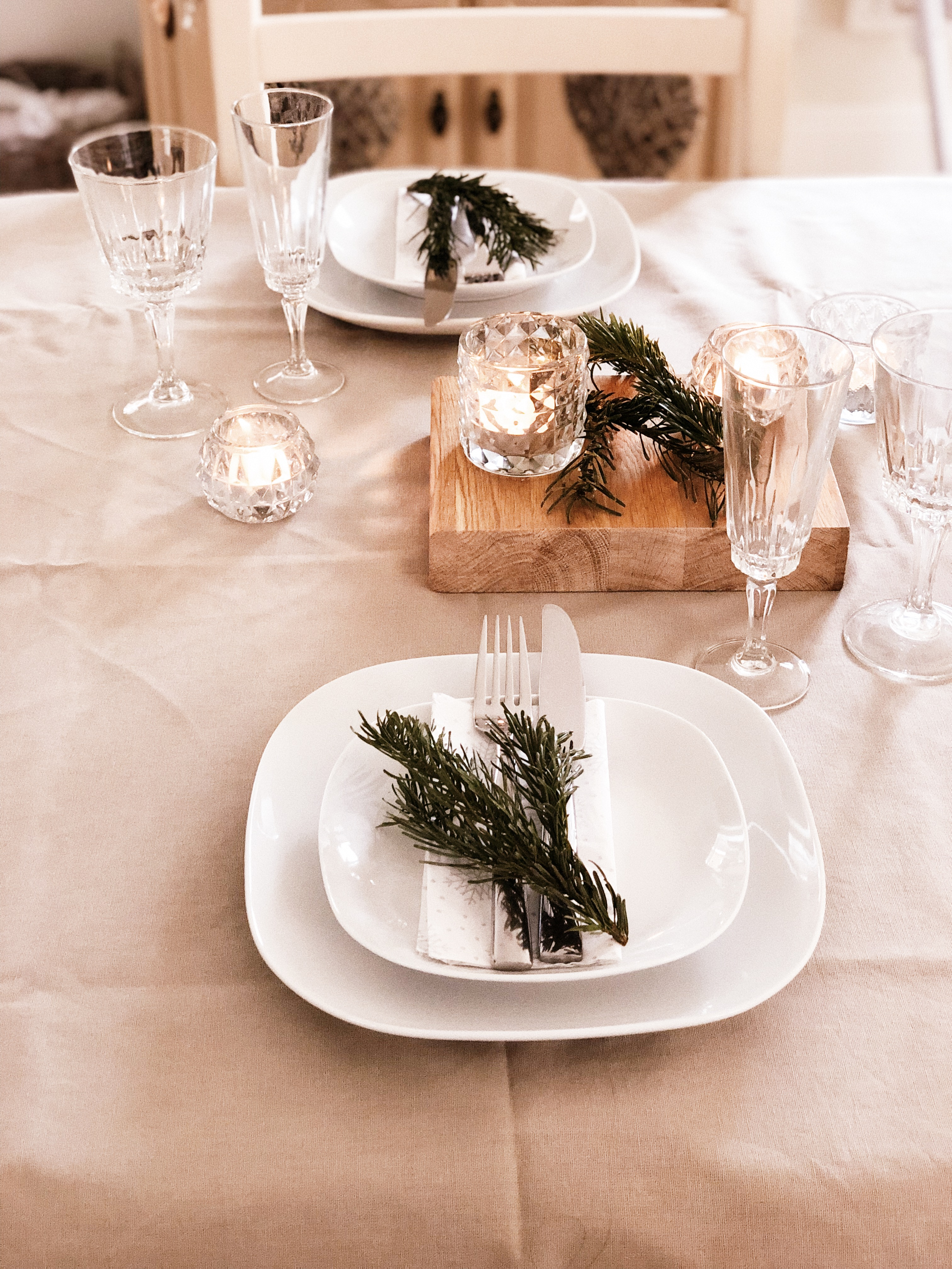 elegant table styling, crockery and glassware