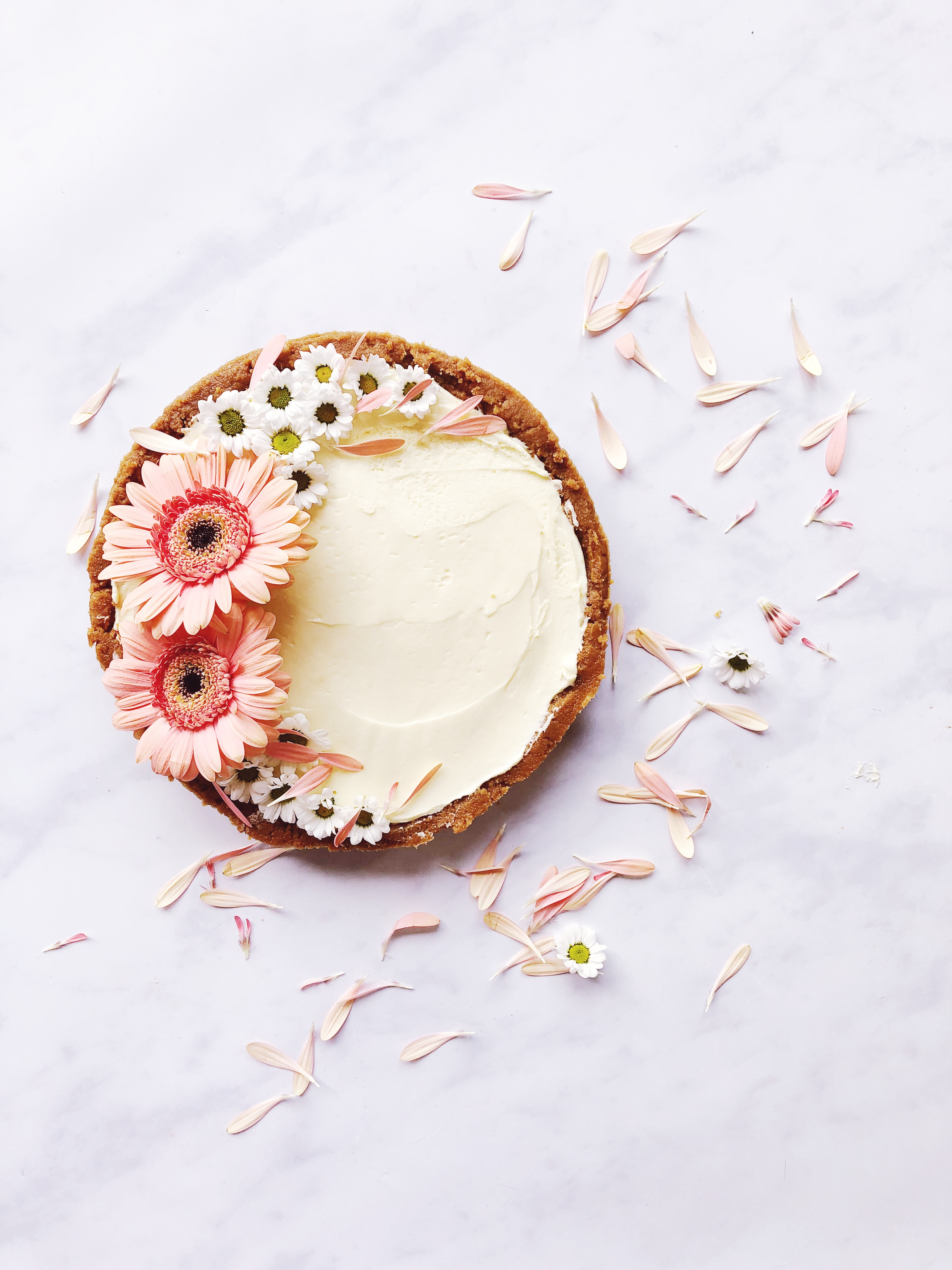white chocolate and ginger torte with flowers